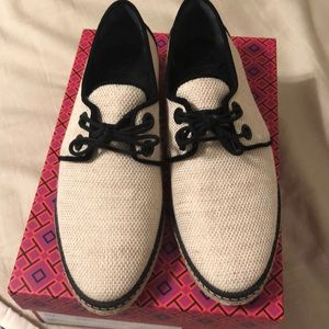 e9a9f69a2de Tory Burch Shoes - 🎉Tory Burch Fawn Oxford Espadrille